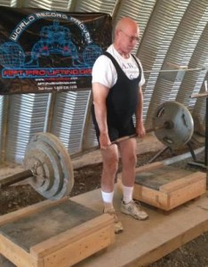 Denny Habecker pulling on a People's Deadlift at the 2015 USAWA OTSM Championships.