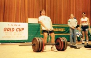 My son Rob, when in elementary school, setting an 802# Hand and Thigh record at Howard's first Gold Cup. This record has stood for 24 years now!